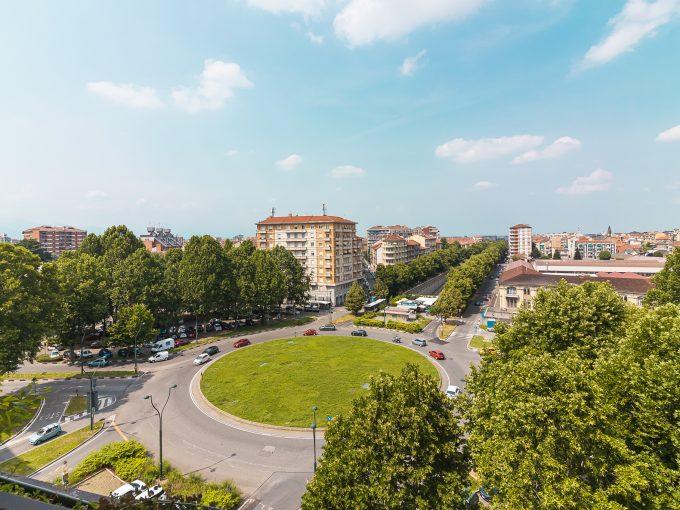 Torino – Piazza Rivoli – Appartamento Ampia Metratura